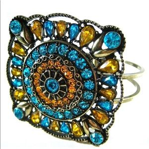 Jewelry - Vintage Style Crystal Medallion Cuff